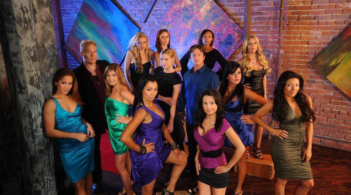 The cast of SCREAM QUEENS 2.